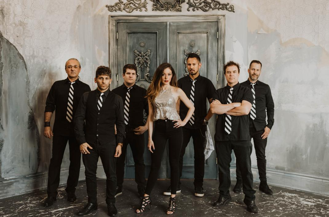 GroUp-Entertainment-Artists-Corporate-Wedding-Band-Switchbeat